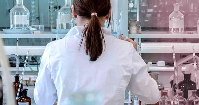 Smaltimento rifiuti tossici da laboratorio